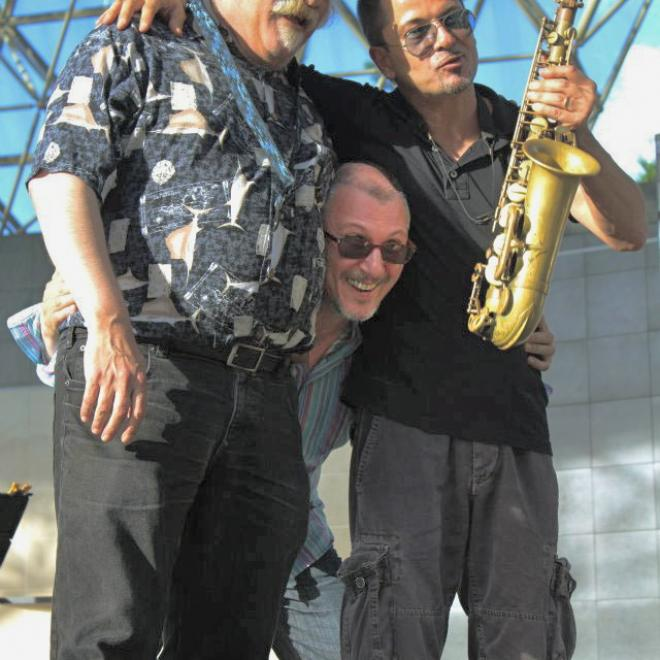 John,Rosario,Mimi